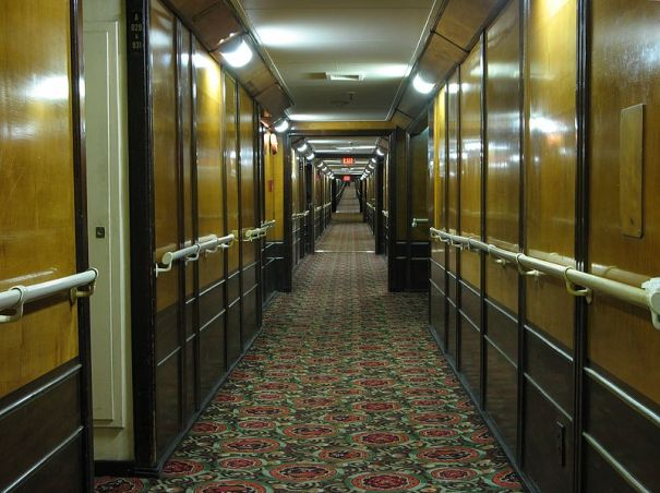 RMS Queen Mary first class passage way